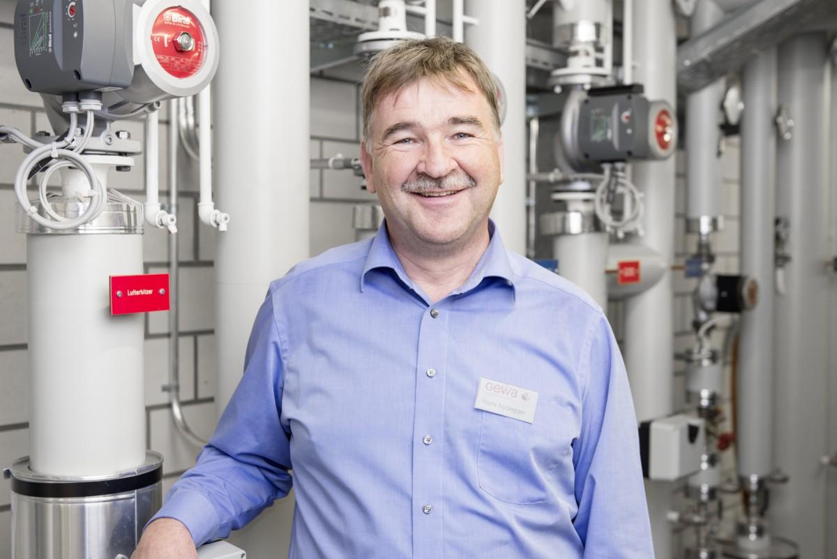 Hans Nydegger, Verantwortlicher für die Gewa-Gebäude, kennt «seine» Energiezentrale.